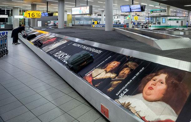 museum marketing airport
