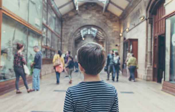 Why we need museums? Child in museum